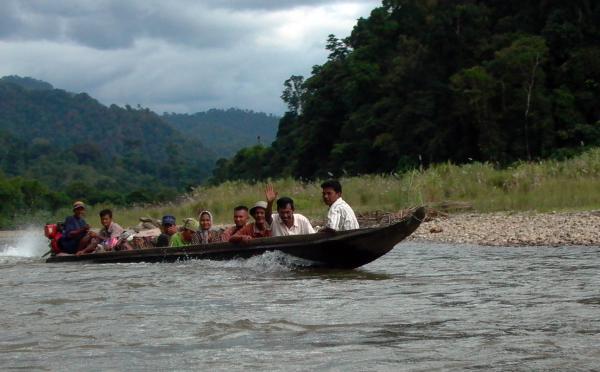 Samadua river boat
